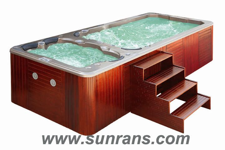 the outdoor spa ,jacuzzi